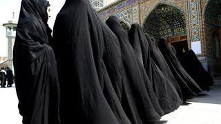Iran Shuts 800+ Stores For Selling 'Western' Women's Clothing