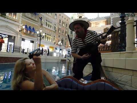 Венецианский гондольер в Макао! Venice Gondola  In Macau