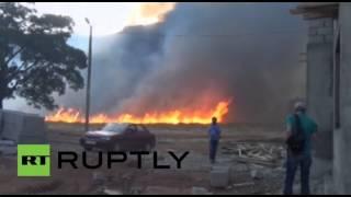 عناصر من حزب العمال الكردستاني يغلقون الطرق بإحراق الشاحنات شرق تركيا (فيديو)