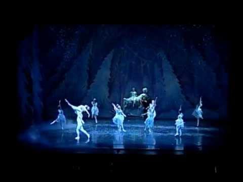 The Land of Snow from The Nutcracker, Joffrey Ballet - Chor. Gerald Arpino