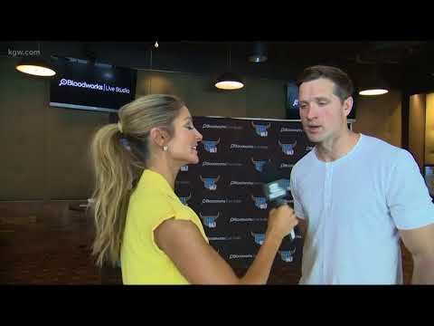 McKinzie talks with country star Walker Hayes