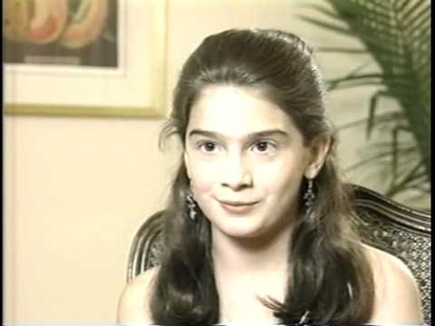 Gaby Hoffman brief interview. Age 11. 1994 - YouTube