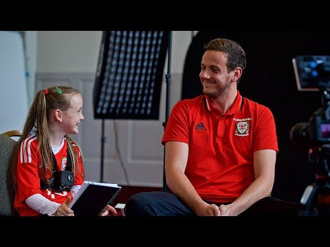 JUNIOR JOURNAL: Kayleigh goes behind the scenes ahead of #SRBWAL