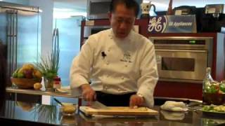 How to Mince Ginger and Garlic, Martin Yan Style?