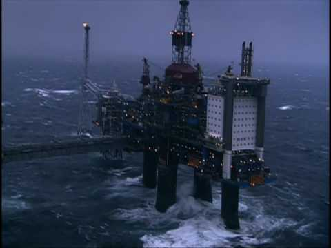 Helicopter landing on offshore oil platform