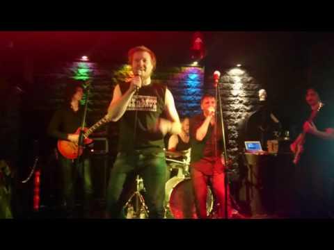 Micha - Karaoke till death - Cowboys from Hell