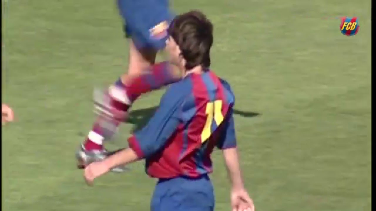 8cfe395945b Spectacular exhibition by Lionel Messi in a 2004 05 Barça B derby - YouTube