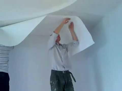 нюансы при поклейке обоев на потолок.