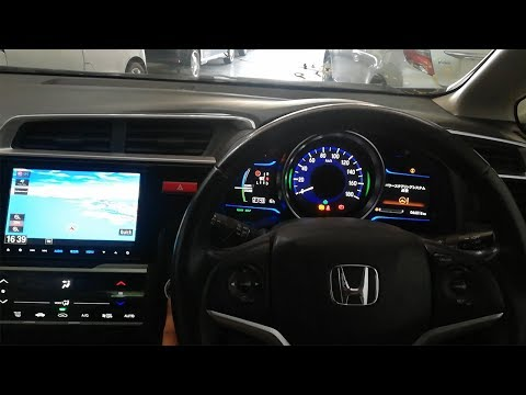 Honda Fit Hybrid 2015 Model Review | Most Beautiful Interior | AutoWheels