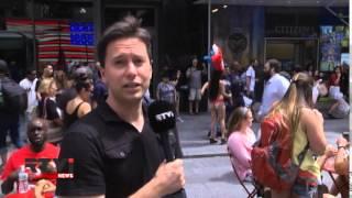 На Таймс Сквер в Нью-Йорке запретят топлесс(Одну из самых известных площадей мира Таймс Сквер хотят сделать более целомудренной. Власти Нью-Йорка,..., 2015-08-23T08:27:10.000Z)