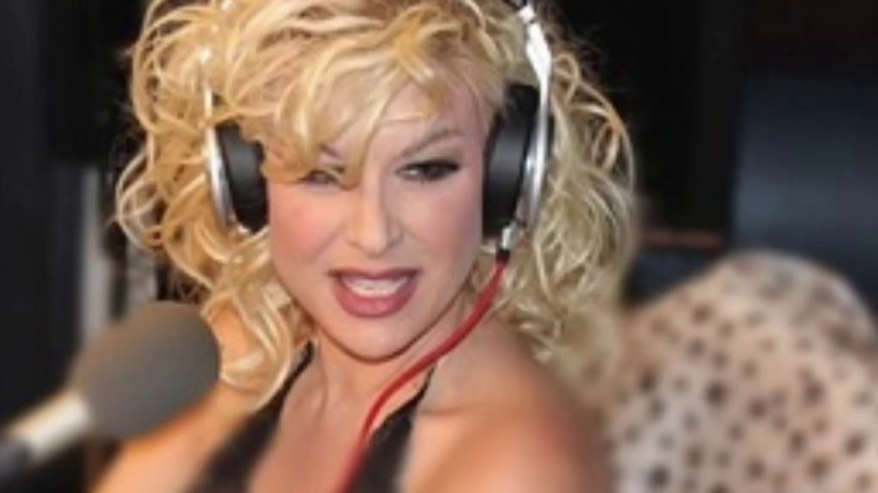Bobbie Brown on 103.9 The Fox - YouTube