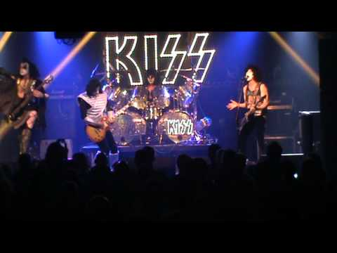 UK Kiss tribute Dressed To Kill - The Robin Friday 13th Nov 2015 full show