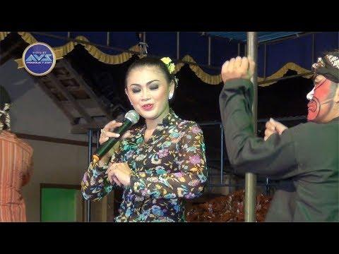 SUMINTEN Panjatan EDAN -  RINI LEWUNG - LIVE Documentary