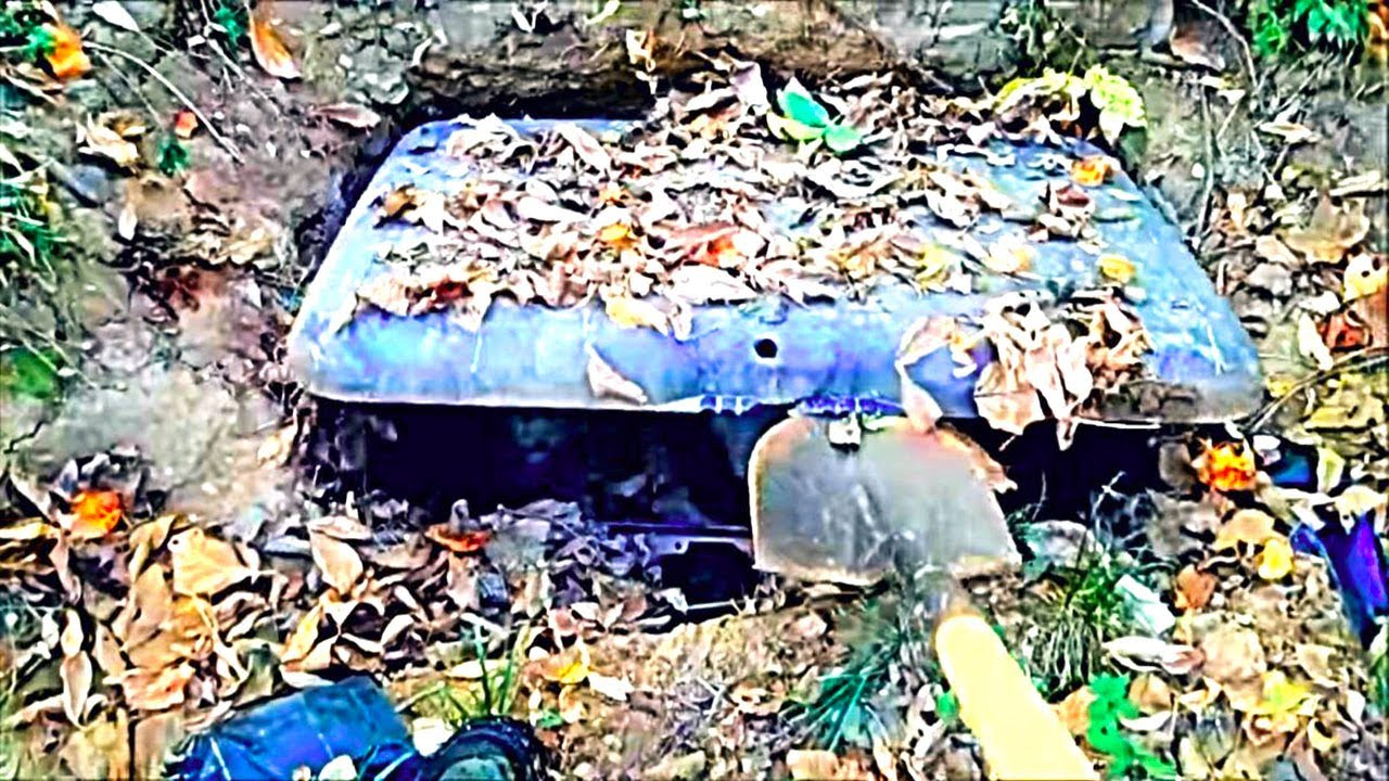 Download Man Opens Safe Buried In Backyard, Then Police Knock On His Door