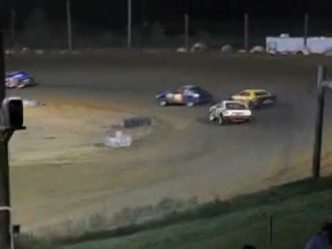 Mini Stock race at Beebe Speedway part 3