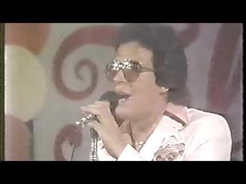 """Hector Lavoe """"Bandolera"""" Live/En Vivo"""