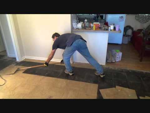 The Easiest Way To Remove Vinyl Floor Tiles Youtube