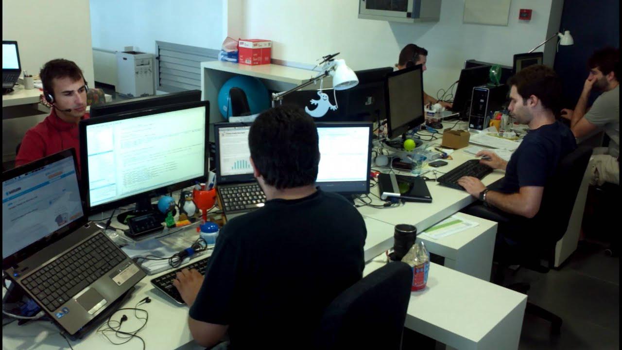 Trabajando en la oficina de habitissimo youtube for Follando en la oficina gratis