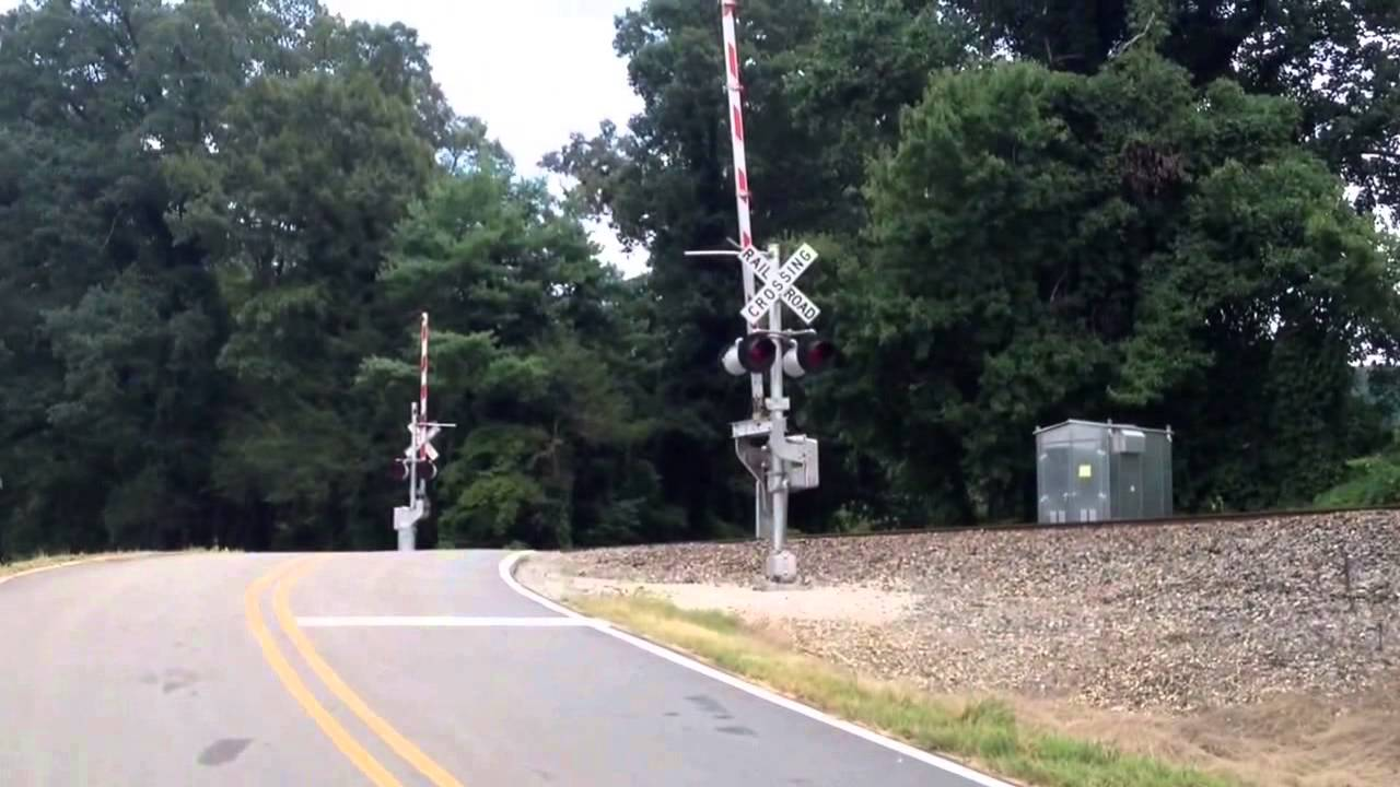 Railroad crossing gates and how they work