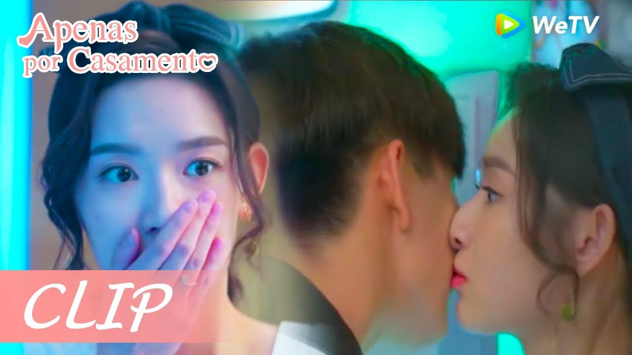 Clip 11: O homem deu um beijo fofo nela e deixou a garota sem reação   Apenas por Casamento   WeTV