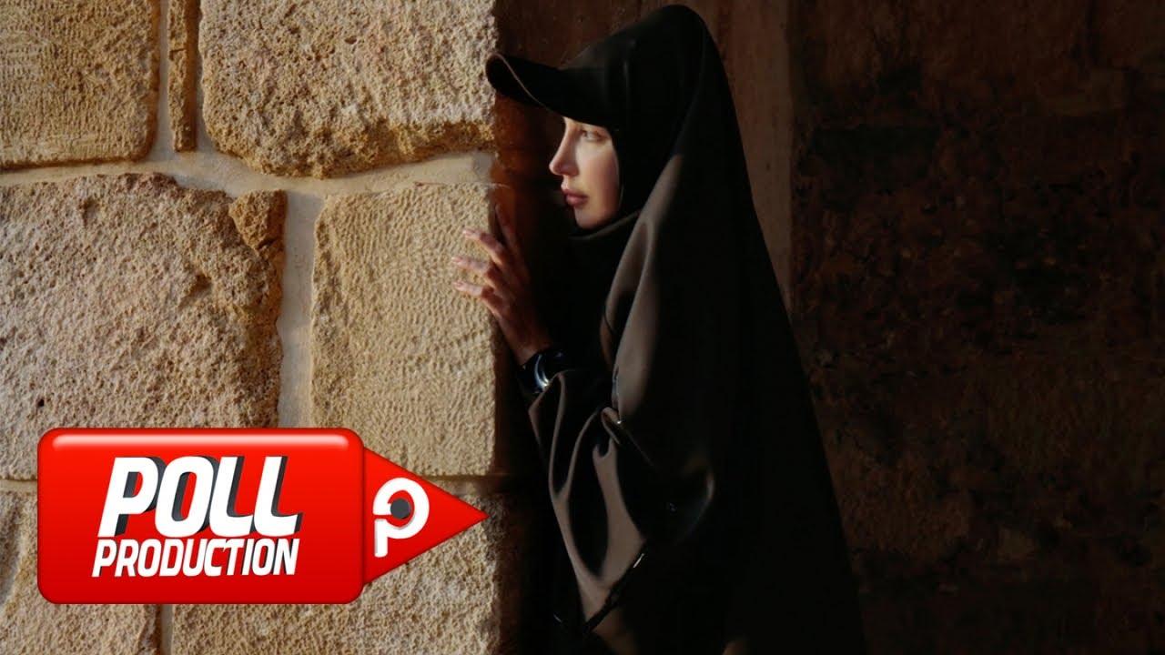 Download Hande Yener - Kaç - (Official Video)