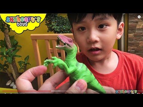DINOSAUR SAFARI Playset - Mini Dinosaur Figures Trex Triceratops Kids Jungle Forest