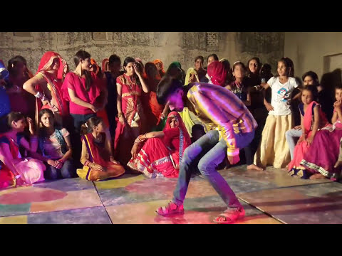D.j murga dance in comedy