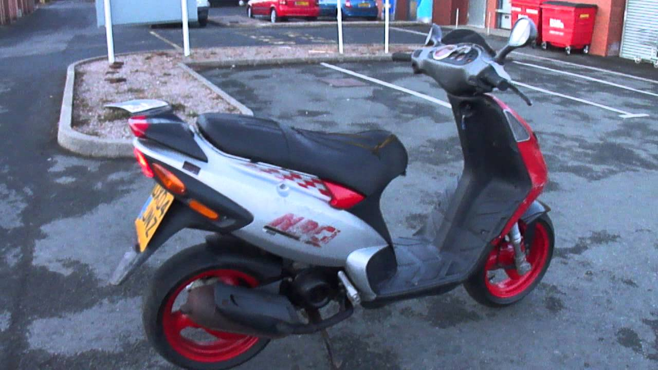 2004 piaggio nrg mc3 scooter moped easy project runs well. Black Bedroom Furniture Sets. Home Design Ideas
