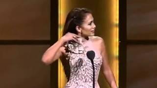 Jennifer Lopez Emotional On Stage While Receiving Glamour Award