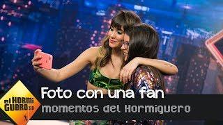 Una fan de Aitana rechaza 150€ a cambio de conservar el selfie - El Hormiguero 3.0