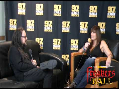 None - Cindy Scull With Jonathan Davis Backstage Freakers' Ball