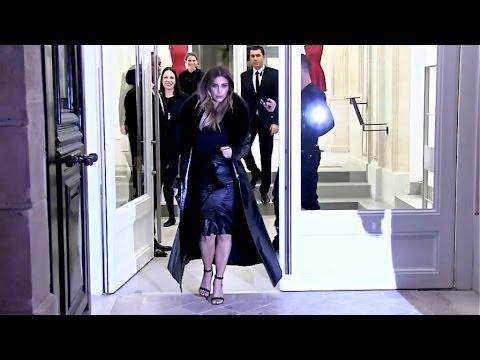 EXCLUSIVE - Kim Kardashian shopping in Paris