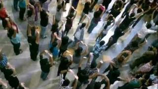 Flash Mob HD - Oberon Mall - 16 Dec 2011.mp4