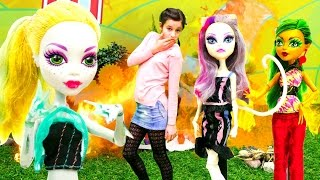 Монстер Хай устроили ПОЖАР! Игры для девочек и видео про куклы #Монстр Хай