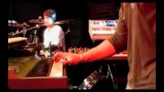 Schiller - [Tagtraum-Kim Sanders] - Distance (updated to HD)