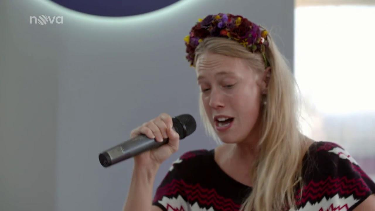 Aneta Krejcikova Poupata aneta krejčíková & příprava na vystoupení | tvoje tvář má známý hlas