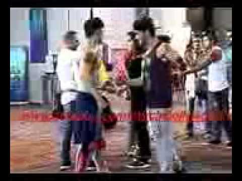 Shraddha Kapoor fell down while shooting song on ABCD 2