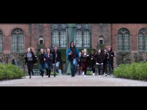 Oaks Christian School and Sweden short