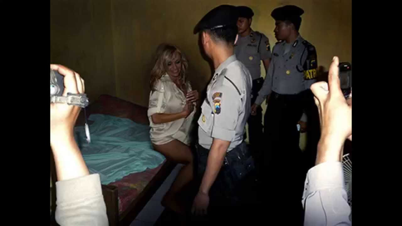 Indonesian Celebrity Best scarlett johansson, kim kardashian and other celebrity arrested