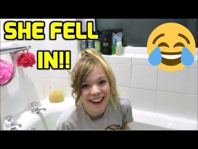 She Fell In A Bath Of Green Slime! Tub Of Slime!