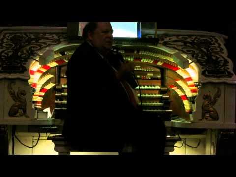 The Fabulous Fox Theater Organ - St Louis MO