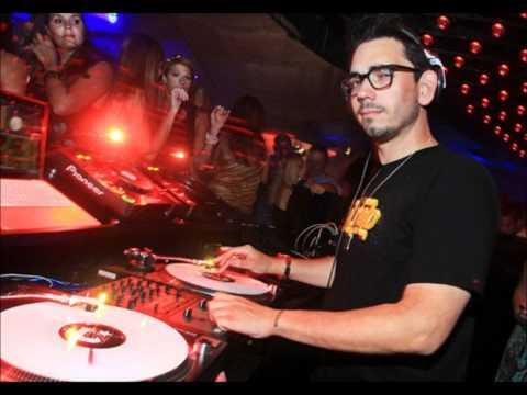 DJ AM Don't Stop Believin Routine