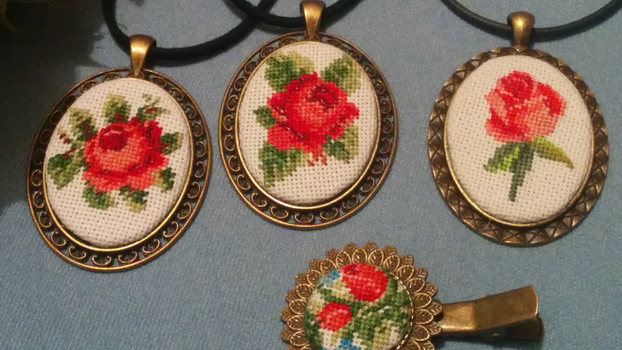 Схемы вышивки крестом для кулонов