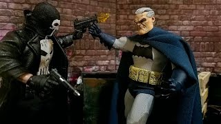 Drone Customs Figures Old Bruce Wayne and Frank's Mask Mezco Headsculpt Review