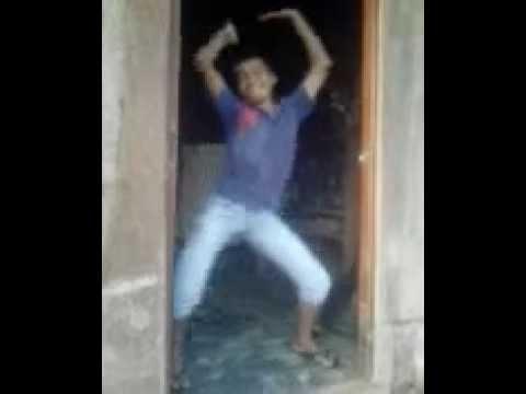 bailando sobre el pene