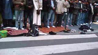 Paris islamisée : le boulevard Barbès occupé par des musulmans (23 octobre 2009)