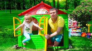 Varvara and Dad Pretend Play with Playhouse for kids