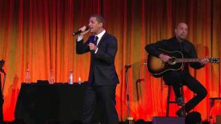 "Rob Thomas performs ""Unwell"" at Uniting Lyme-Free World Gala"