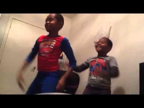 Dance za kihindi Kaka na Mdogo wake