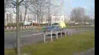 Ambulance 20-101 met spoed onderweg